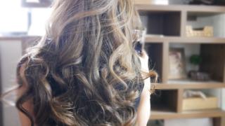 ロング巻き髪