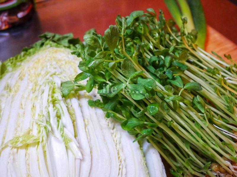 白菜と豆苗