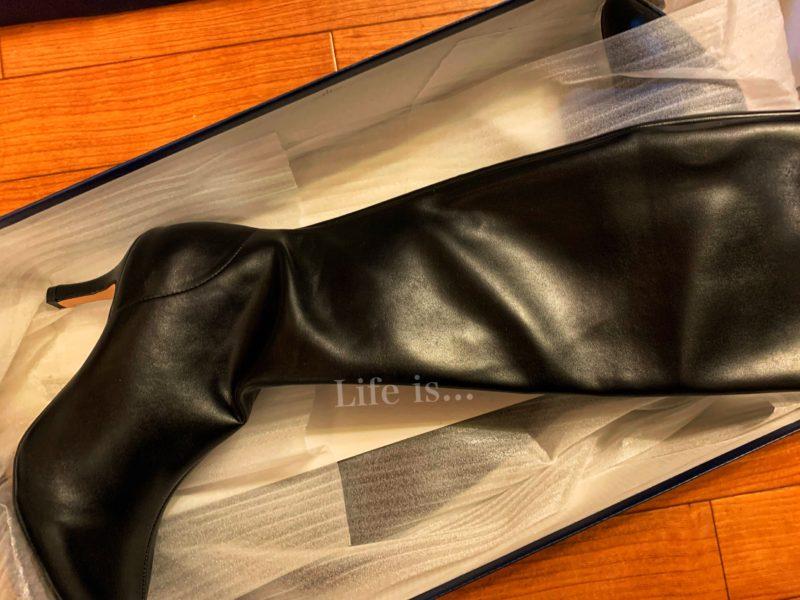 アウトレットシューズの黒ブーツ